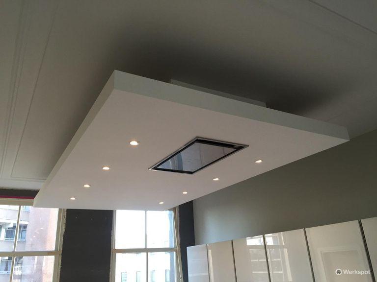 Verlaagd plafond plaatsen