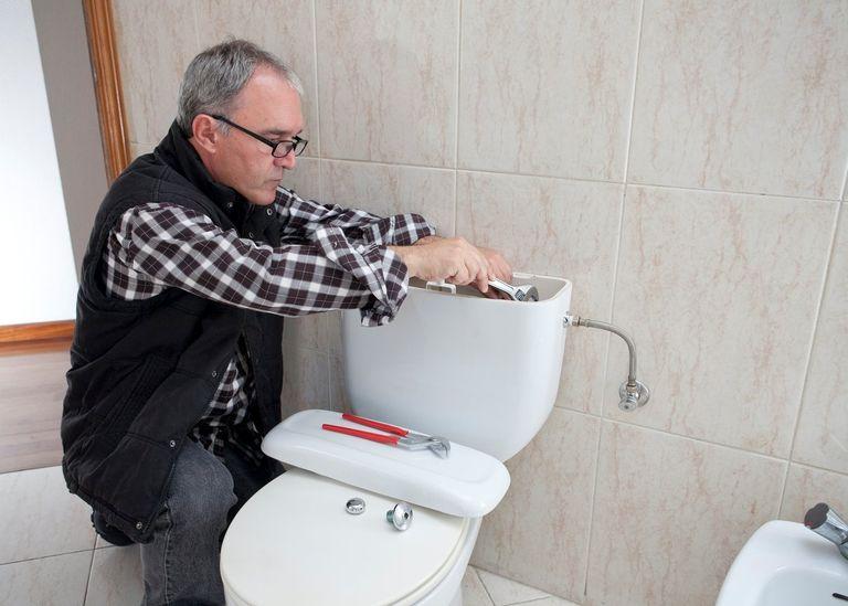 toilet reparatie kosten