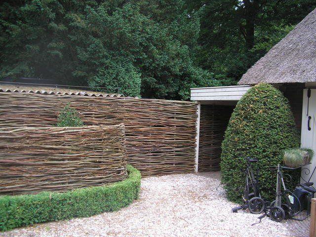 Hekwerk Hout Tuin : Hekwerk of schutting plaatsen de gemiddelde kosten werkspot