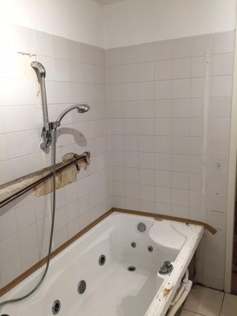 Badkamer Tegelen Glasstenen Muurtje Bouwen Werkspot