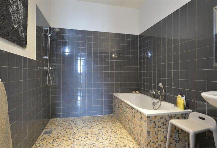 Overtegelen Badkamer 3 1 X 2 3m En Toilet 1 6 X 1 2m Werkspot